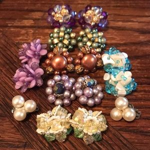 8 pairs of VTG beaded (Japan) clip on earrings
